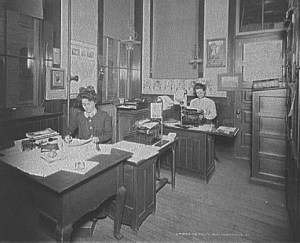 Stenographers at the turn of the century.